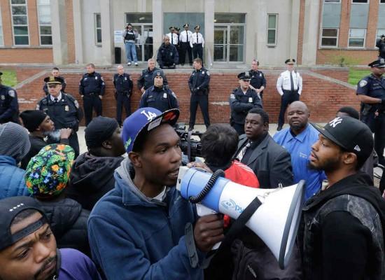 Violentas protestas en Baltimore por muerte de gray