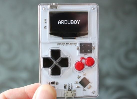 Arduboy,una consola tan pequeña como una tarjeta de crédito