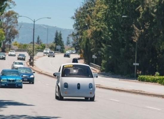 El auto autónomo de Google sufre el primer accidente con heridos sin gravedad