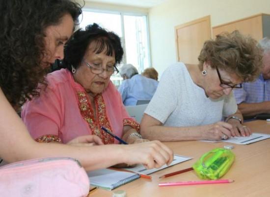 Tratamiento con proteínas ayuda a reducir síntomas de Alzheimer