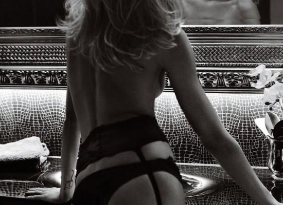 El principal atractivo en las mujeres es la curva lumbar