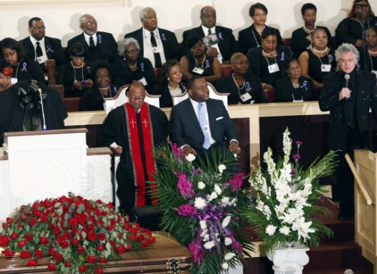 Cientos de personas despidieron a BB King en su funeral