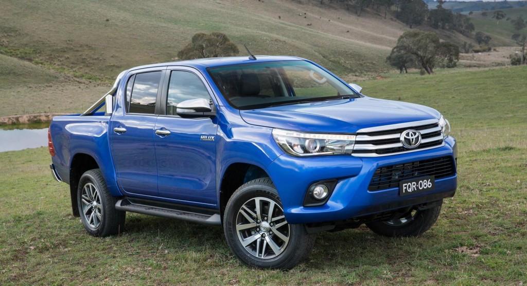 2016-Toyota-Hilux-24