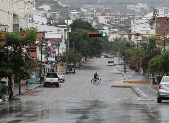 El huracán Patricia se debilita a tormenta tropical en México