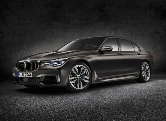 BMW M760Li xDrive, prestaciones de superdeportivo para la berlina de superlujo
