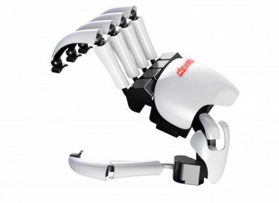 Dexmo, guante para tocar objetos en la realidad virtual
